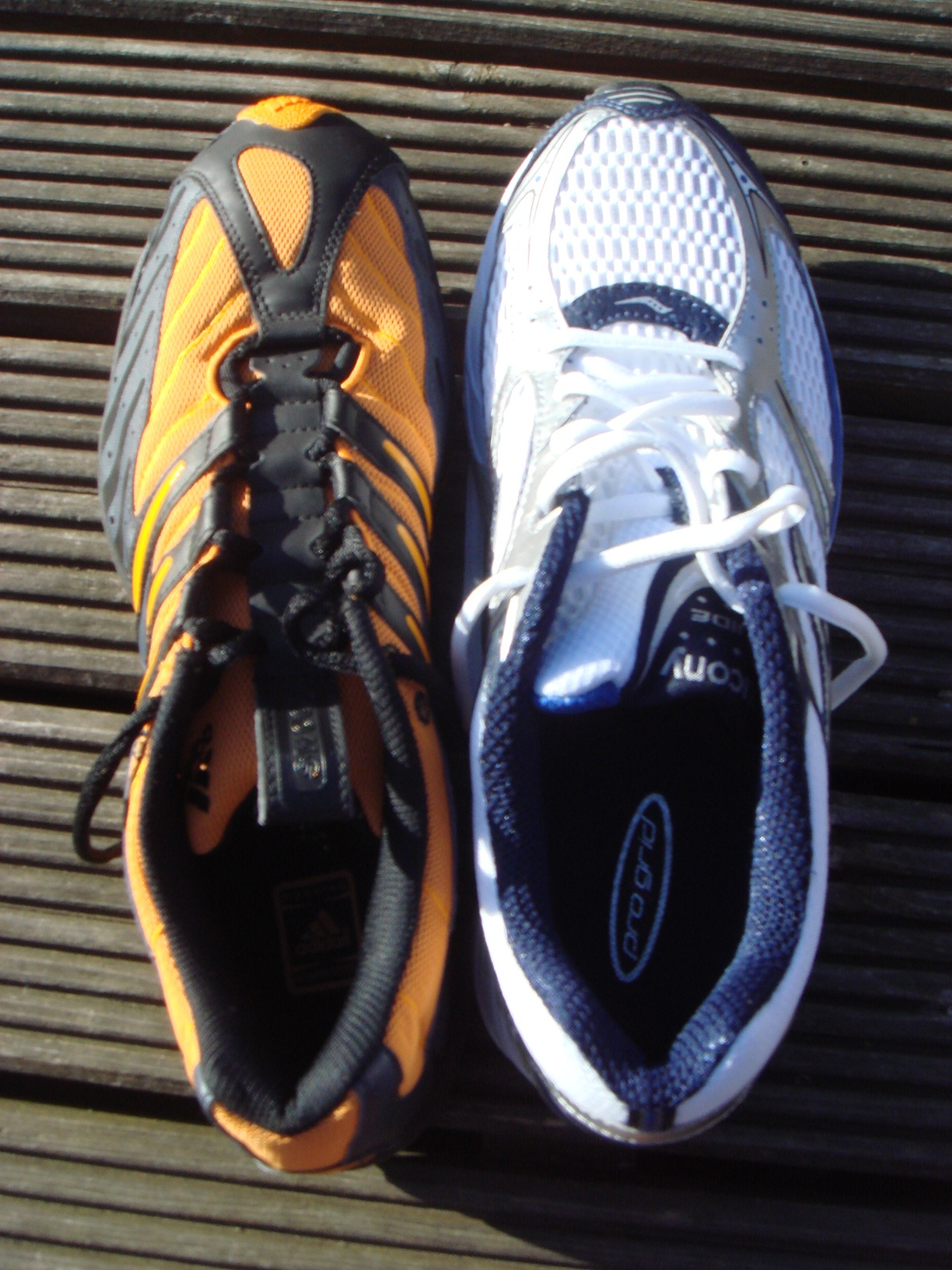 Okay So I Bought Two Pairs And The Other Pair Has An Orange Right Shoe Before You Start To Worry